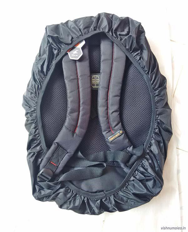 Fastrack Black Offbeat Ergolight backpack review - rain cover.