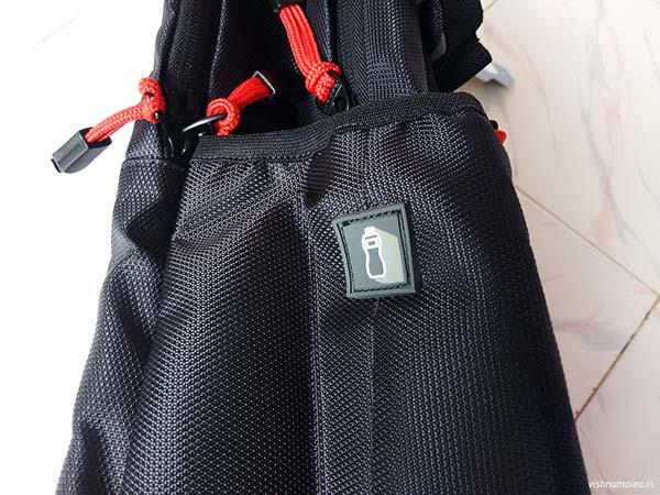 Fastrack Black Offbeat Ergolight backpack review - water bottle.