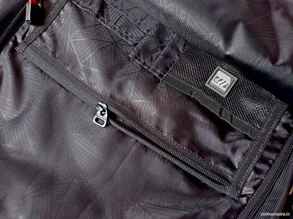 Fastrack Black Offbeat Ergolight backpack review - items organizer.