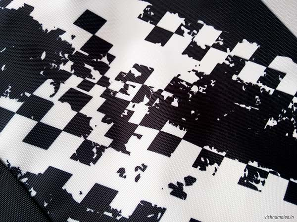 Fastrack Black Offbeat Ergolight backpack review - pattern graphics.